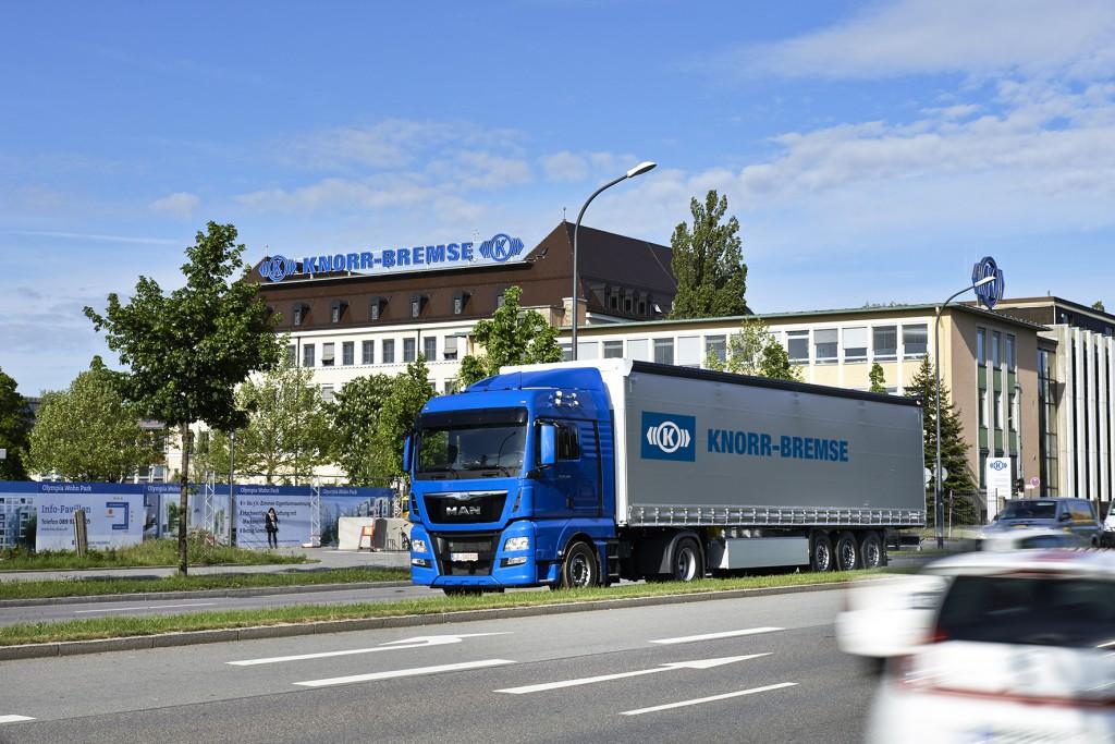 01_12_15_bilanzzahlen_truck